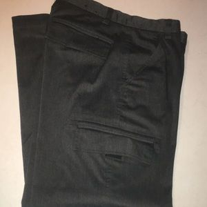 Well-made cargo pants